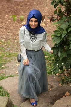 chiffonny skirt color combo - grey skirt, white blouse, blue scarf and shoes