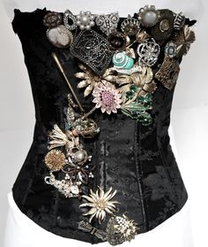 I love this-simply gorgeous! (A little over the top, perhaps, but still.)