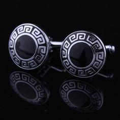 Klasické kruhové knoflíčky které mají nádherný staro-řecký znak. Nic nepokazíte