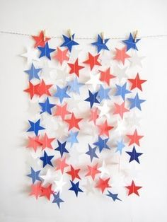 DIY: Easy star garland for Memorial Day and of July. 4th Of July Celebration, 4th Of July Party, Fourth Of July, July Crafts, Diy And Crafts, Tube Carton, Origami, Happy Birthday America, Star Garland
