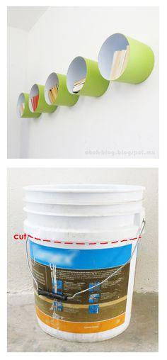 Originales estantes reciclando cubos plásticos