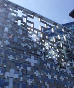MAKE Architects-The Cube-Birmingham | mapolis | Architektur – das Onlinemagazin für Architektur // Budynek w którym dostrzegam tylko same plusy. :) / The building in which I see only the positives (pluses). :)