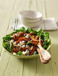 Würziger Feldsalat mit gebratenem Kürbis