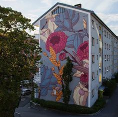 Street artist and mural artist Pastel.