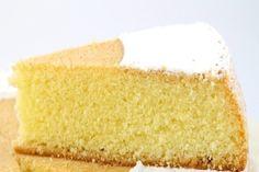 Un gâteau délicieux à base de farine, lait, oeufs, eau, huile, sucre et levure nécessitant seulement 1 minute de préparation !