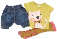 Niedliche Katze auf T-Shirt mit dazu passender Strumpfhose und Jeancapri der Marke #Next in Gr. 62-28.