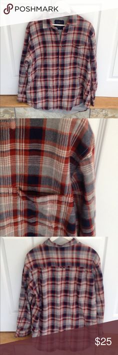 Club Room flannel Very nice plaid flannel shirt jacket. T-shirt lined so very warm. Good condition but has a couple of snags. 💥Offers welcome💥 Club Room Shirts Casual Button Down Shirts