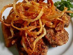 Lyoni szűzérmék | Józsi konyhája Healthy Diet Recipes, Bacon, Spaghetti, Pork, Meals, Ethnic Recipes, Diet, Hungarian Recipes, Kale Stir Fry