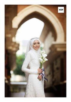 simple and elegant muslim wedding dress. #lace