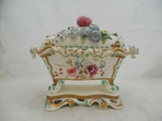 ANTIQUE COALPORT PORCELAIN COVERED INKWELL FLOWER ENCRUSTED PAINTED FLOWERS