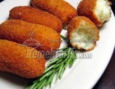This chicken croquettes recipe (croquetas de pollo) always goes down well with me when grabbing some tapas or a lunch. As tasty as fish croquettes, these. Chicken Croquettes, Croquettes Recipe, Potato Croquettes, Potato Dishes, Potato Recipes, Potato Sticks, Seasoned Bread Crumbs, Food And Drink, Gourmet