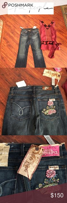 🎀🆕Free People Bleeker Street Jeans🎀 Brand new with tags, and back posher has floral appliqué with rhinestones! These are a boot cut fit that will look great with boots or clogs and the unique top it's shown with that is in a separate listing! Free People Jeans Boot Cut
