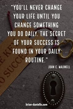 What are the habits of successful people? Success doesn't happen overnight. Learn the habits to start and the daily routine needed for success. Successful people believe in themselves and do the work daily, by creating habits. Habit Quotes, Mindset Quotes, Leadership Quotes, Success Quotes, Teamwork Quotes, Leader Quotes, Leadership Coaching, Leadership Development, Coaching Quotes