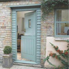 """old fashion""""dutch door"""" or stable door The Doors, Back Doors, Entrance Doors, Wood Doors, Windows And Doors, Garage Doors, Interior Door Colors, Interior Barn Doors, Cottage Door"""