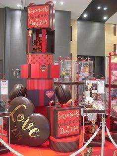 イオンのバレンタイン - かずんの部屋 Nurse Appreciation Week, Display Design, Interior Architecture, Valentines Day, Art Deco, Floral, Crafts, Candy, Shop
