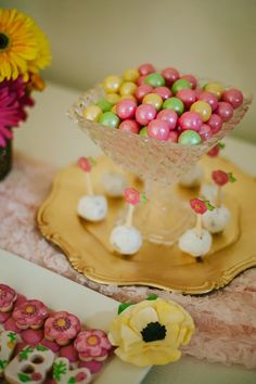 Swan and floral themed baby shower |  The Frosted Petticoat