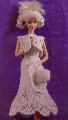 Barbie is going out in a pretty-in-white dress that has a diagram -  Barbie con su conjunto de paseo | labores de esther. todo para barbie