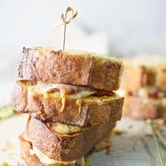 One of the best sandwiches ever the Croque Monsieur! Pair it up with your favorite drink & some pretzels & enjoy! It's mid-week already which means the weekend is a comin' yeeessss! To get this tasty recipe copy & paste this #LittleFiggyFood link http://ift.tt/1iXwn0h