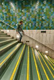 A estação Rossio abriu ao público em 1963 englobada na construção da 2ª fase do 1º escalão da rede, que decorreu entre 1959 e 1963, em termos arquitetónicos e artísticos seguiu as diretrizes globais aplicadas a esse empreendimento, o responsável pelo projeto arquitetónico foi o Arq.º Falcão e Cunha e a autora do revestimento em azulejos foi a pintora Maria Keil.