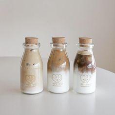 soft aesthetic tones of coffee food Cream Aesthetic, Aesthetic Coffee, Brown Aesthetic, Aesthetic Food, Aesthetic Photo, Comida Picnic, Think Food, Cafe Food, Milk Tea