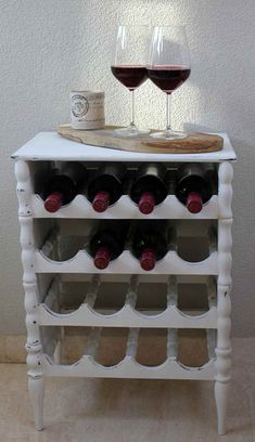 Beste Jayne, Eindelijk weer eens tijd om te restylen!  Proost............ op jullie gezondheid! Restyling in Old White.  Met vriendelijke groet, Anita Annie Sloan Old White, Annie Sloan Chalk Paint, Wine Rack, Cabinet, Storage, Painting, Furniture, Hacks, Home Decor