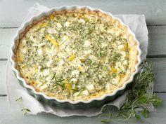 Välimeren yrttipiiras - Välimeren piiraassa maistuvat salaattijuusto ja runsas määrä yrttejä. http://www.valio.fi/reseptit/valimeren-yrttipiiras/