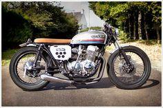 Honda CB750 Four:: Sur Les Chapeux De Roules. | 8negro