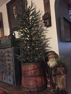 Cute Christmas Tree, Outdoor Christmas, Winter Christmas, All Things Christmas, Christmas Holidays, Christmas Crafts, Christmas Decorations, Christmas Ideas, Natural Christmas