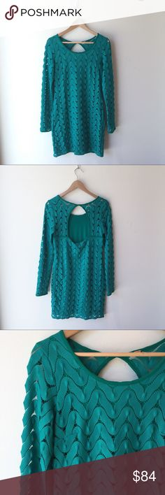 Free People MCM Cut Out Dress Emerald green crochet chevron pattern mid century modern style dress with a super cute cut out in back. Long sleeves. Lining through everything except the back. Like new condition! Free People Dresses Long Sleeve