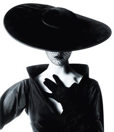 Images That Inspire: Jean Patchett by Irving Penn for Vogue 1953. Still hot ~ 61 years later. #photoinspiration #irvingpenn #jeanpatcett #musebride #shotonfilm #nophotoshop