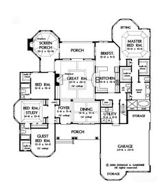 2,673 square feet single story floor plan