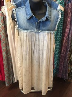 An idea js. 2019 An idea js. The post An idea js. 2019 appeared first on Denim Diy. Recycled Fashion, Recycled Denim, Estilo Jeans, Denim Ideas, Denim Crafts, Altered Couture, Shirt Refashion, Altering Clothes, Clothing Hacks