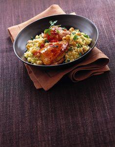 Se ami le ricette esotiche, non puoi senza dubbio resistere a questo cuscus alla paprica con pollo e ceci: sperimentalo nella gustosa ricetta di Sale&Pepe.