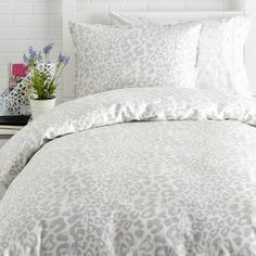 1000 Ideas About Leopard Bedding On Pinterest Bed Sets