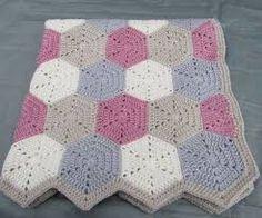 Resultado de imagem para cobertor para cama de bebe em croche