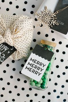 DIY:+Printable+Holiday+Gift+Tags+by+melanieblodgett+for+Julep