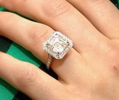 Ashlee Simpson..... I want this Ring!  Diamond Bands on both sides.