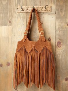 Beautiful bag, too bad it's about 400 bucks too much, wonder if I could make something like this?