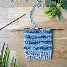 7 helppoa ideaa sukanvarteen - oikea ja nurja silmukka riittävät! Wool Socks, Knitting Socks, Knitted Hats, Diy Projects To Try, Crochet Top, Blog, Women, Knit Socks, Woolen Socks