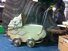 Antieke kinderwagen puntgaaf!