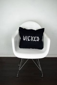 Free wicked DIY Halloween pillow template to create your own festive decor in minutes.