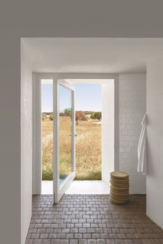 An Old Farmhouse Becomes A Dream Home In Portugal Exterior Doors, Interior And Exterior, Interior Design, Style At Home, Architecture Details, Interior Architecture, Classical Architecture, Casa Hotel, Old Farm Houses