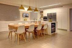 מידות של אי במטבח - חיפוש ב-Google Kitchen Room Design, Modern Kitchen Design, Home Decor Kitchen, Rustic Kitchen, Interior Design Kitchen, Kitchen Dining, Apartment Kitchen, Luxury Kitchens, Sweet Home