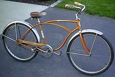 There are few bicycle companies that have impacted the century like Schwinn! This article lists several classic vintage Schwinn bicycles that have become famous. Check out these vintage Schwinn bicycles and enjoy! Retro Bicycle, Old Bicycle, Cruiser Bicycle, Bicycle Pedals, Old Bikes, Vintage Cycles, Vintage Bikes, Touring Bicycles, Bike Design