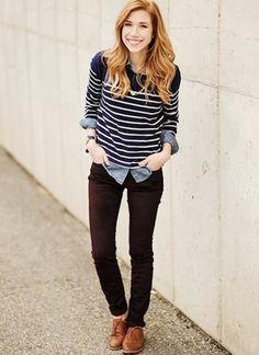 白紺ボーダー×黒パンツ。スカートと合わせたコーデとはまた違った雰囲気で、大人っぽさが演出出来ますね。