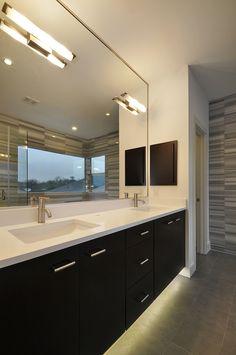 Barton Skyline #5 | Master Bath | Tile | Austin Homebuilder | Custom Home | Modern Home | Green Building |