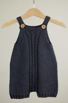 Leggins, Cardigan & Romper - Opskriftspakke (Strik) Opskrifter Go Handmade Funny Baby Clothes, Knitted Baby Clothes, Knitted Romper, Knitted Baby Outfits, Babies Clothes, Babies Stuff, Baby Boy Knitting, Knitting For Kids, Baby Knitting Patterns