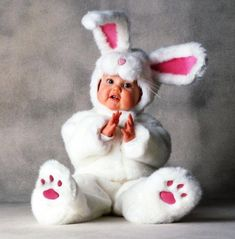Tom Arma White Rabbit Tom Arma Signature Collection™ White Rabbit The perfect bunny for your little honey! This Tom Arma deluxe White Rabbit costu So Cute Baby, Baby Kind, Baby Love, Cute Kids, Baby Baby, Baby Sleep, Animal Costumes, Cute Costumes, Baby Halloween Costumes