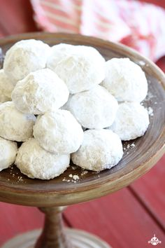 Pecan Snowballs Pecan Snowballs are easy, delicious, and are the perfect holiday treat for family and friends! Christmas Sweets, Holiday Baking, Christmas Desserts, Holiday Treats, Christmas Baking, Holiday Recipes, Christmas Cookies, Christmas Recipes, Christmas Ideas