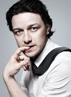 James McAvoy this so does not look like a pose he would choose...but maybe